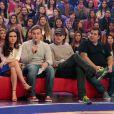 Ashton Kutcher sentou no sofá do 'Caldeirão' com Tatá Werneck e Leandro Hassum