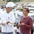 Luciano Huck e Ashton Kutcher vão ao Sambódromo provar comidas argentinas no 'Caldeirão do Huck' deste domingo, 13 de julho de 2014