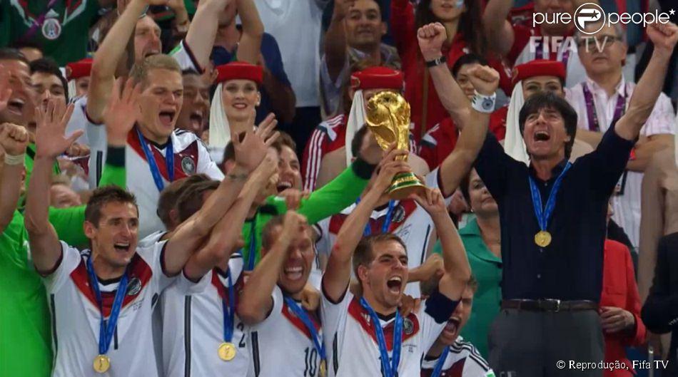 dfa2863d02930 Seleção da Alemanha comemora título na final da Copa do Mundo no Maracanã  neste domingo