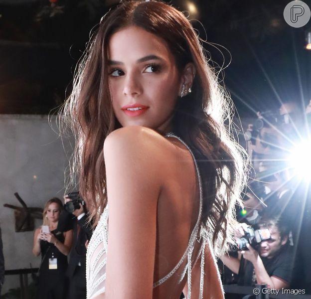 Bruna Marquezine encerrou a parceria com o empresário Zeca Vitorino após 15 anos