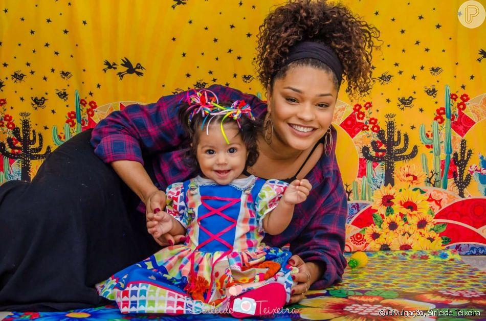 Juliana Alves curtiu festa junina com filha, Yolanda, de 8 meses