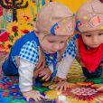Filhos de Maíra Charken e Sheron Menezzes curtiram festa junina juntos