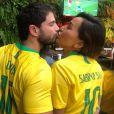 Sabrina Sato e Duda Nagle aparecem torcendo juntos pelo Brasil em foto
