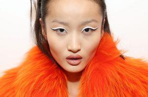 Branco nos olhos: cor ajuda a disfarçar o cansaço e vira tendência nas makes