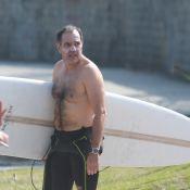 Após fim de 'Em Família', Humberto Martins curte férias em praia carioca