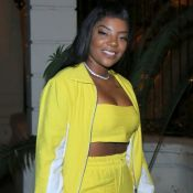 Bomber, top e pantalona: o conjunto neon de Ludmilla em festa de Nego do Borel