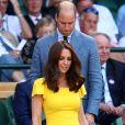 Kate Middleton usa vestido amarelo vibrante para partida de tênis em Londres