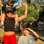 Juliana Paes se diverte com os filhos e o marido em parque de São Paulo