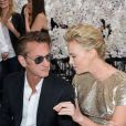 Sean Penn está completamente apaixonado por Charlize Theron
