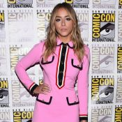 Brilho, rosa-choque e amarelo são tendências entre as atrizes na Comic Con