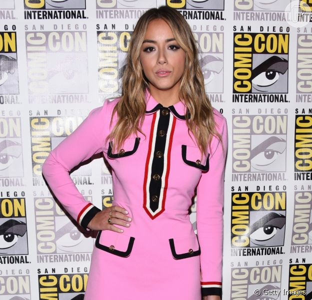 Comic Con San Diego teve seu último dia em 22 de julho de 2018 e contou como a presença de atrizes, como Chloe Bennet, que escolheu look rosa da Gucci