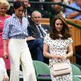 Meghan Markle é fã de looks com calça, como o usado por ela no torneio de Wimbledon