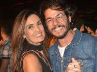 Em viagem, Fátima Bernardes lamenta distância do namorado: 'Saudade grande'