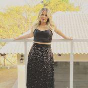 Marília Mendonça alia cropped e saia longa em look: 'Menos é mais'