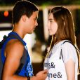 Guilherme (Lawrran Couto) e Raquel ( Isabella Moreira ) se beijam pela primeira vez durante a festa de aniversário de 50 anos da escola Ruth Goulart no capítulo que vai ao ar terça-feira, dia 7 de agosto de 2018, na novela 'As Aventuras de Poliana'