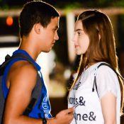 'As Aventuras de Poliana': Raquel e Guilherme se beijam pela 1ª vez em festa