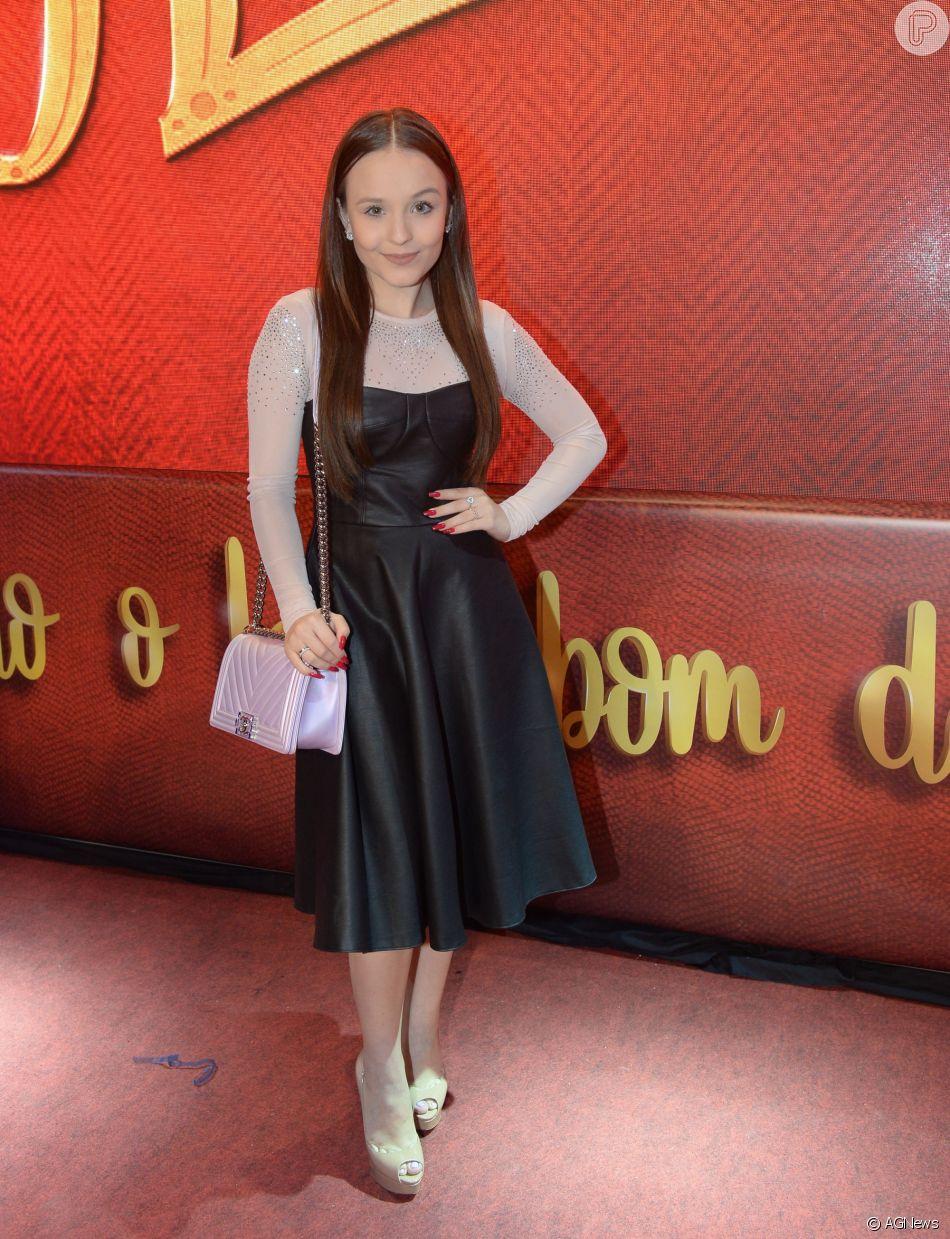 Larissa Manoela doou vestido usado na estreia da novela  As Aventuras de  Poliana  para o programa de TV  Desengaveta , do GNT df2c61ce7d