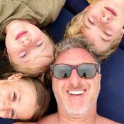Luciano Huck mostra filhos, Joaquim, Eva e Benício, em foto:'Obrigado, Angélica'