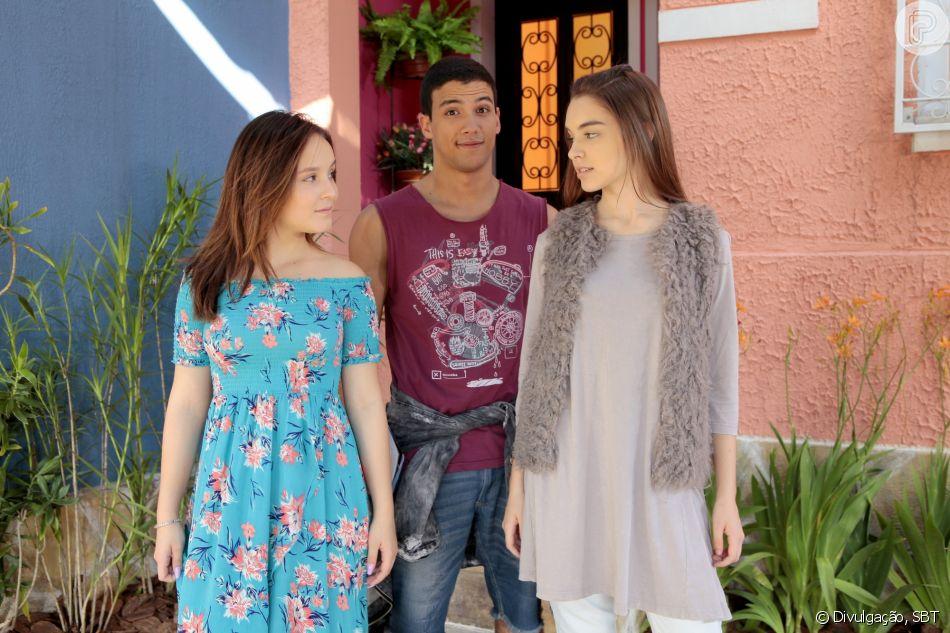 Raquel (Isabela Moreira) tem medo de perder sua amizade com Mirela (Larissa  Manoela 7db91cc61b