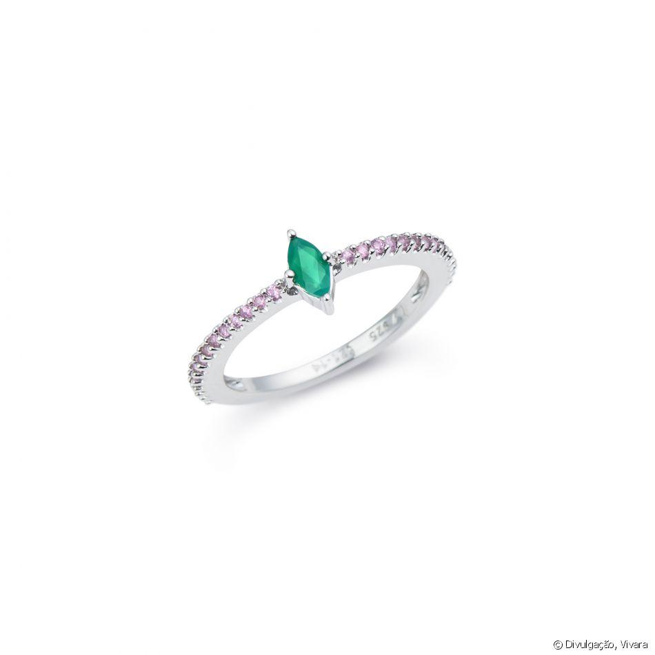 28a42ce9c31 Marina Ruy Barbosa criou anel de ágatas verdes e rodolitas vendido por R   310 na Vivara