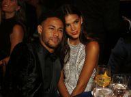 Bruna Marquezine beija Neymar durante passeio romântico na Torre Eiffel. Vídeo!
