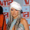 Em 2002 a musa estava no auge e abusava de sua sensualidade no look
