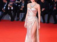 Bruna Marquezine aposta em vestido com fenda profunda em Veneza. Veja fotos!