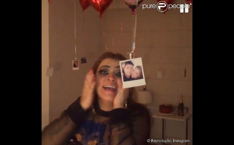 Rodrigo Godoy preparou uma surpresa para Preta Gil depois da festa no Baile da Favorita. O noivo da cantora decorou o quarto com balões de coração e fotos do casal, em 7 de agosto de 2014