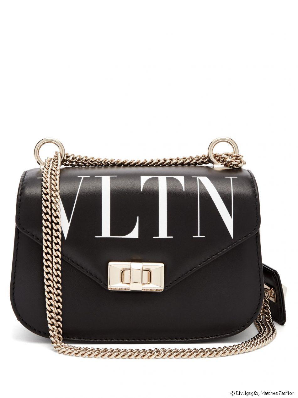 5c59889c9cda1 Bolsa Valentino VLTN Crossbody usada por Bruna Marquezine custa cerca de R   6.822 na loja Matches Fashion