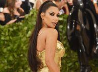 De biquíni, Kim Kardashian brinca com filho e exibe corpo definido. Vídeo!