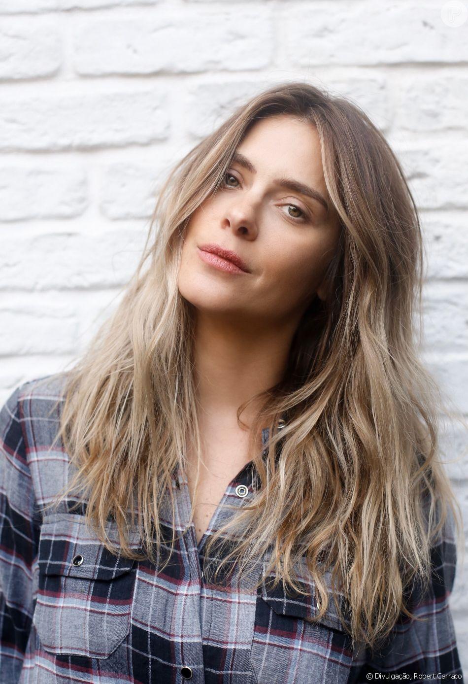 Carolina Dieckmann afasta rumor de procedimento no rosto em foto nesta segunda-feira, dia 10 de setembro de 2018