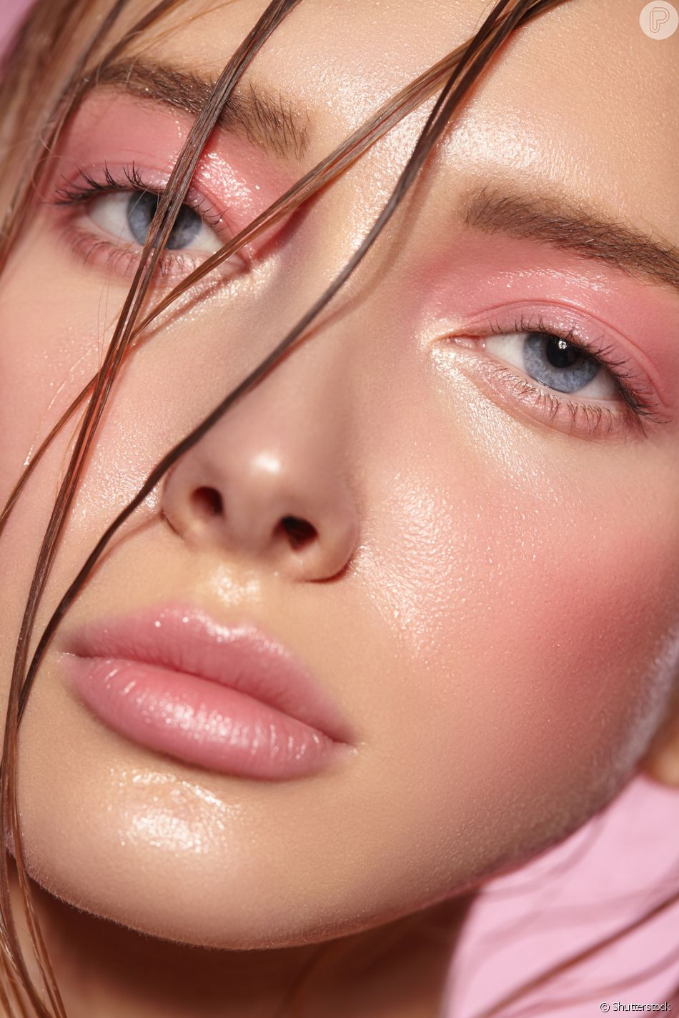 Maquiagem rosa é tendência  saiba como usar sombra, lápis, batom e ... ffa585c15d