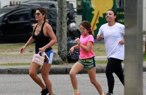 Flávia Alessandra malha na companhia da filha caçula: 'Minha parceira'. Vídeo!