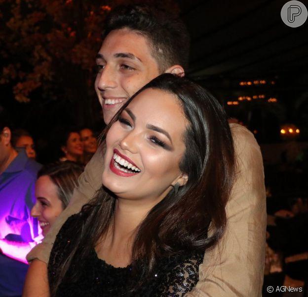 Suzanna Freitas e o namorado, Gabriel Simões, foram fotografados na festa de 1 milhão de inscritos no canal de Antonia Fontenelle nesta quinta-feira, 20 de setembro de 2018