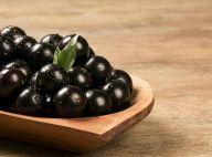 Conheça os benefícios da jabuticaba, fruta da estação, para as unhas