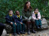 Kate Middleton alegra estudantes em primeiro evento após 3º filho. Ao look!