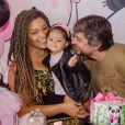 Yolanda, filha de Juliana Alves e Ernani Nunes, ganhou u ma festa com tema de urso Panda