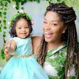 Yolanda participou de um ensaio com a mãe, Juliana Alves, para celebrar 1 ano de idade