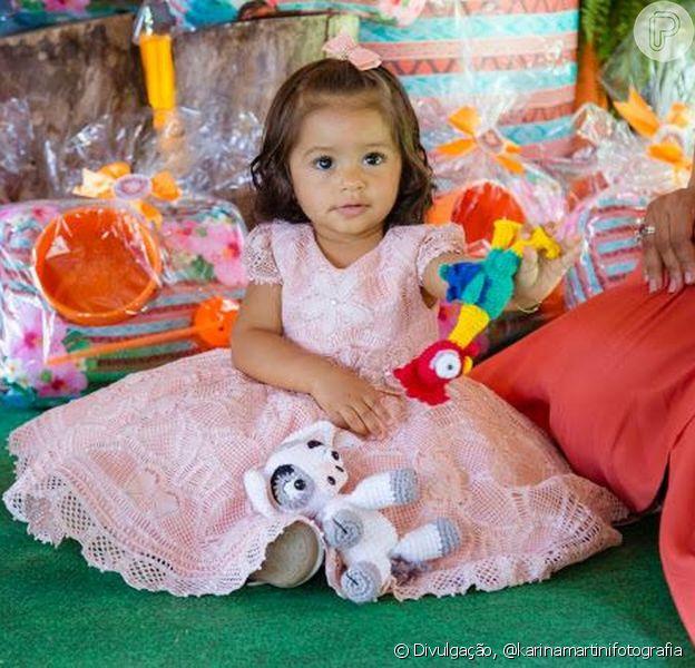 Yolanda, filha de Juliana Alves e Ernani Nunes, sempre protagoniza momentos fofos na rede sociais