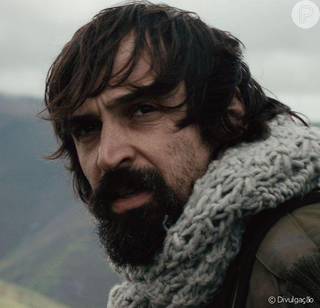 Julio Andrade teve que passar por uma transformação para viver Paulo Coelho no filme 'Não Pare na Pista'