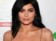 Kylie Jenner faz preenchimento três meses após remoção: 'Retocar meus lábios'