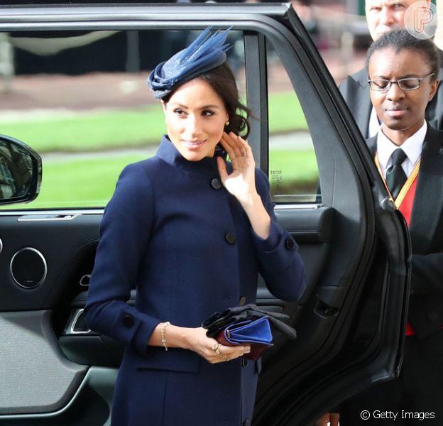 Casamento da princesa Eugenie em Windsor aconteceu em 12 de outubro de 2018. Meghan Markle escolheu um modelo de vestido mais fechado Givenchy