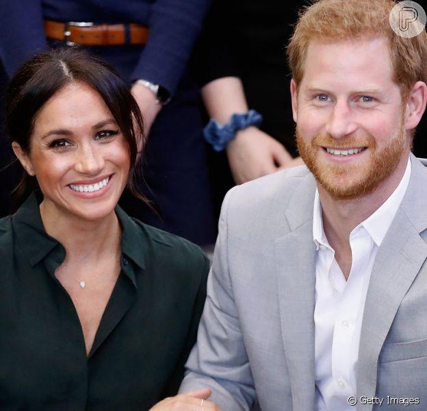 Meghan Markle e príncipe Harry anunciaram que esperam o primeiro filho