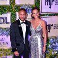 Bruna Marquezine e Neymar usaram looks Dolce & Gabbana n a 2ª edição do jantar beneficente do Instituto Neymar Jr., em julho de 2018