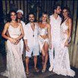 Bruna Marquezine e Neymar curtiram revèillon 2018 com Bruno Gagliasso, Giovanna Ewbank, Izabel Goulart e o noivo da modelo, Kevin Trapp