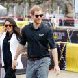 Meghan Markle e Príncipe Harry chegaram usando óculos de sol ao evento em Sydney
