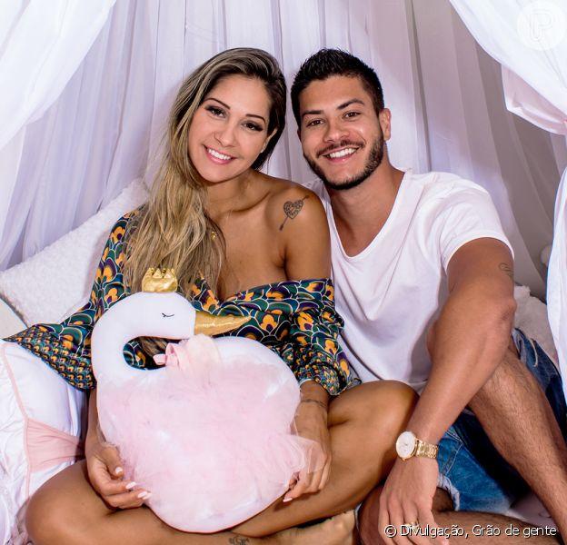 Mayra Cardi dá à luz Sophia, primeira filha com Arthur, em 20 de outubro de 2018