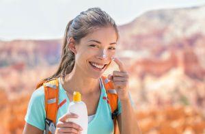 Dúvidas de como passar protetor solar? Dermatologista dá dicas para não errar