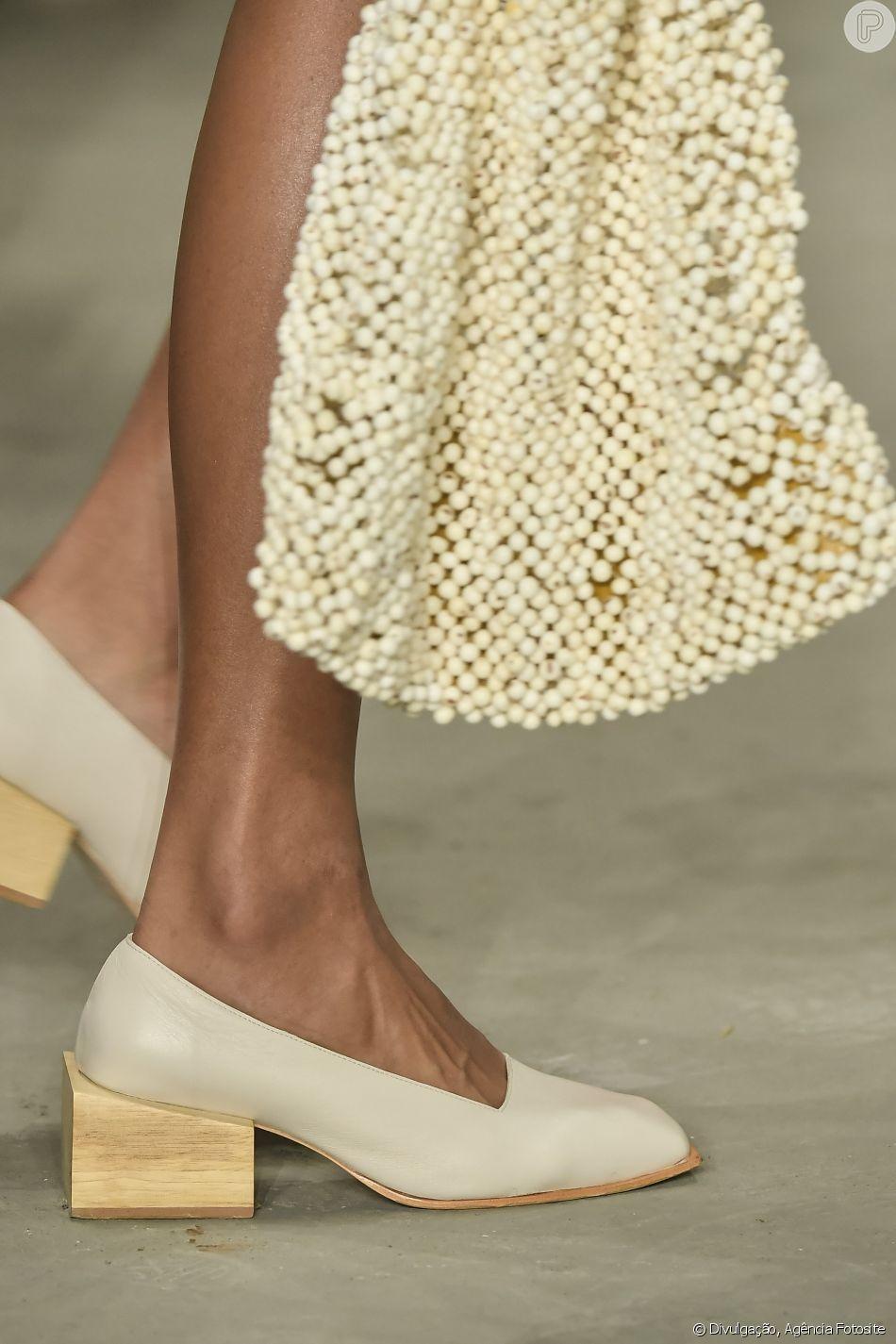 A marca apostou ainda nos trabalhos artesanais e tecidos naturais