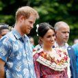 Meghan Markle e príncipe Harry conheceram os alunos da universidade